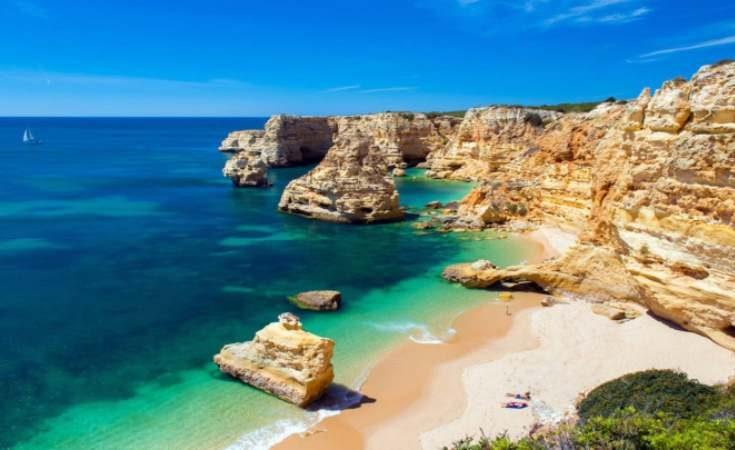 Top 10 Pantai Terindah Saat Berkunjung ke Eropa