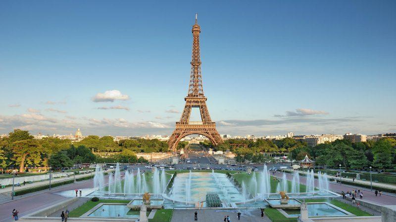 10 Tempat Wisata Favorit di Prancis Wajib Anda Kunjungi