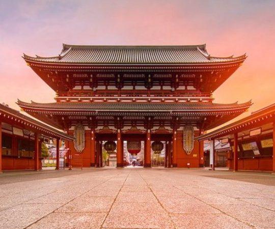 6 Kuil dan Tempat Suci di Tokyo Wajib Anda Kunjungi