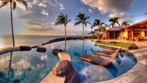 Destinasi Bulan Madu Favorit di Hawaii
